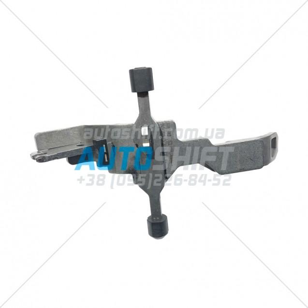 Вилка включения передач 6-R АКПП DQ200 DSG 0AM 0AM311562K