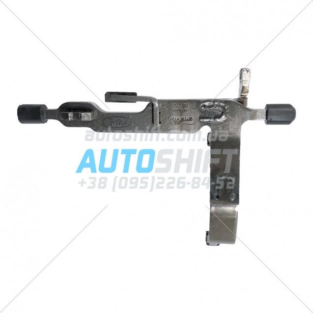 Вилка включения 1 и 3 передач АКПП DQ200 0AM 0AW (DSG 7) Б/У